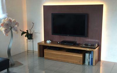 Vorgesetzte Wand mit LED-Leuchtkanal, Rusten-Beschichtung